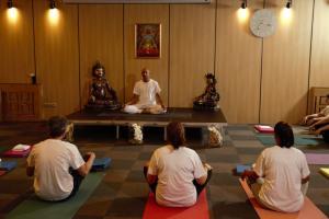 Йога курс с участници