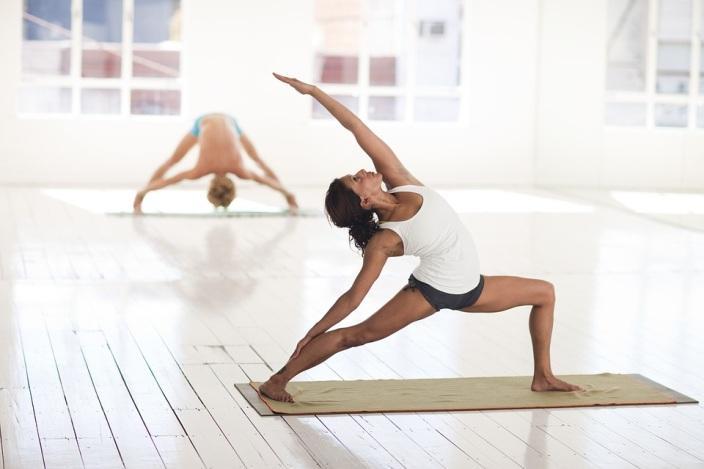 Видове йога аксесоари