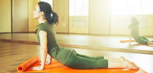 Как се отслабва с йога упражнения