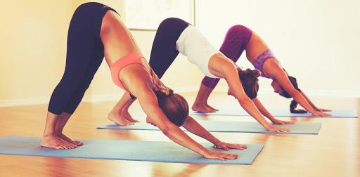 С какво помагат йога упражненията