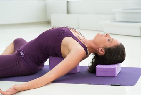 За кого е подходяща хатха йога и какви са ползите от нея?